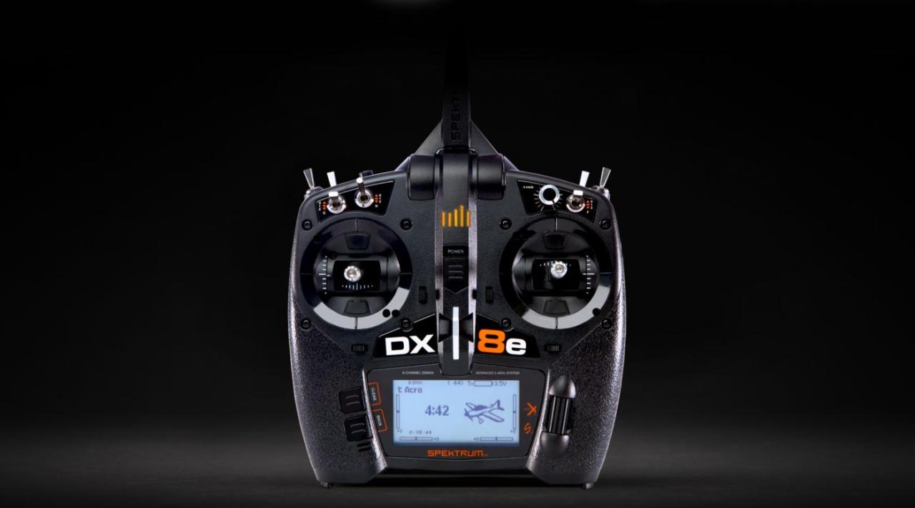 DX8e 8-Kanal Fernsteuerung, nur Sender