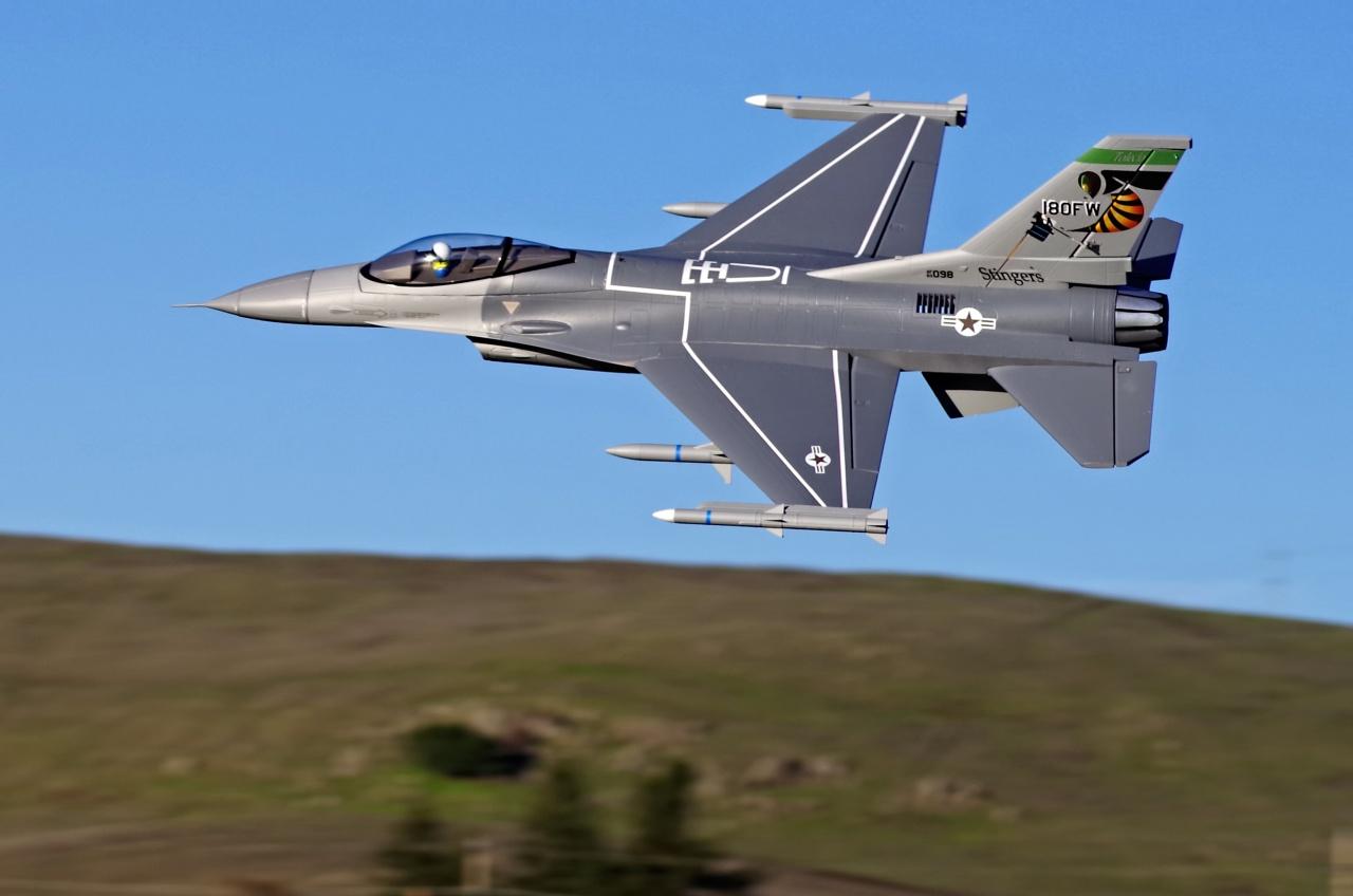 FMS F-16C V2 Jet EDF 70 PNP - 81 cm