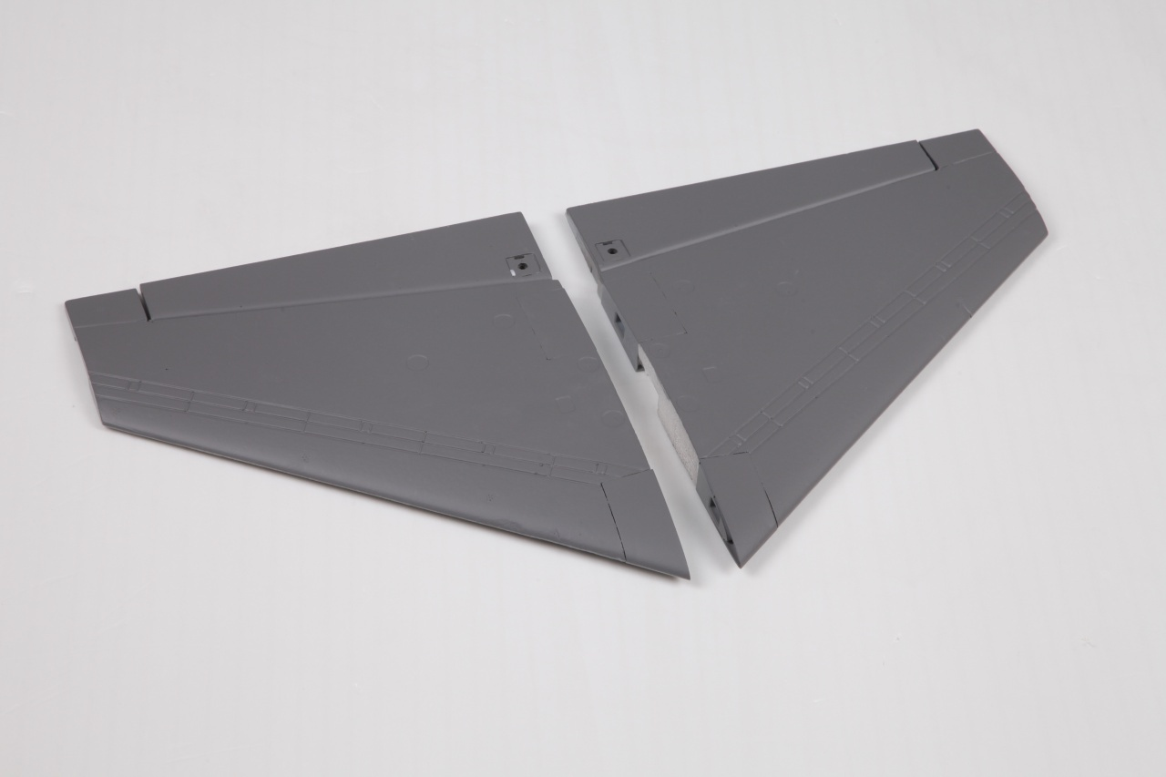FMS F-16 V2 - Tragfläche