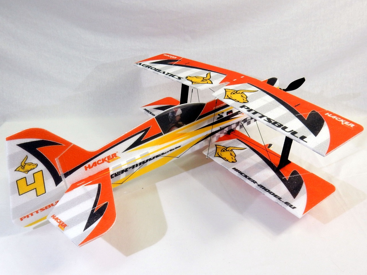 NEU Hacker Pittsbull ARF Combo - 75 cm incl. Antrieb+Servos