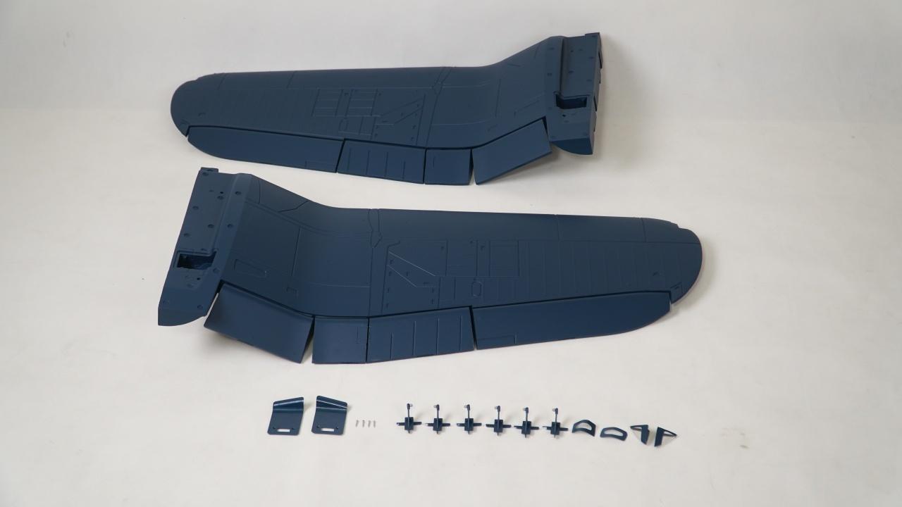 FMS F4U Corsair V3 - Tragfläche