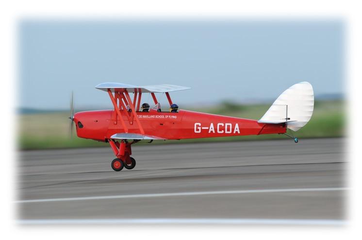 Phoenix Tiger Moth - 30ccm - 227 cm