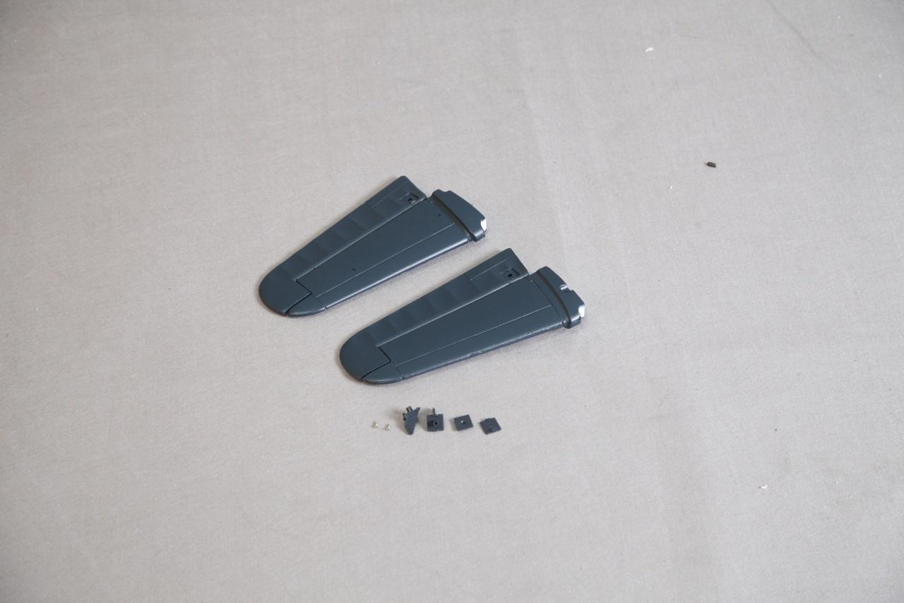 Arrows F4U Corsair - Höhenruder