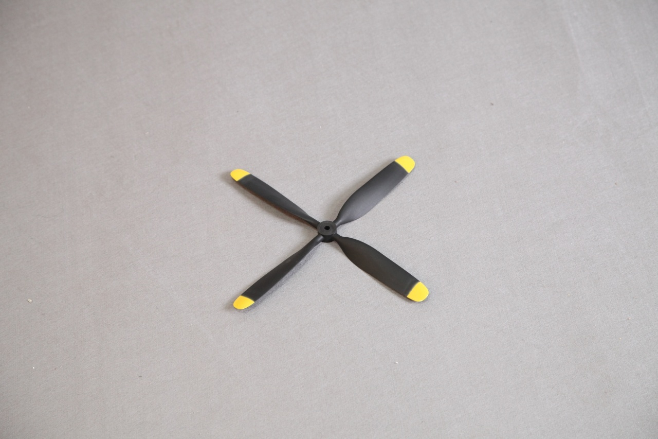 Arrows Luftschraube Vierblatt für F4U Corasir 110cm