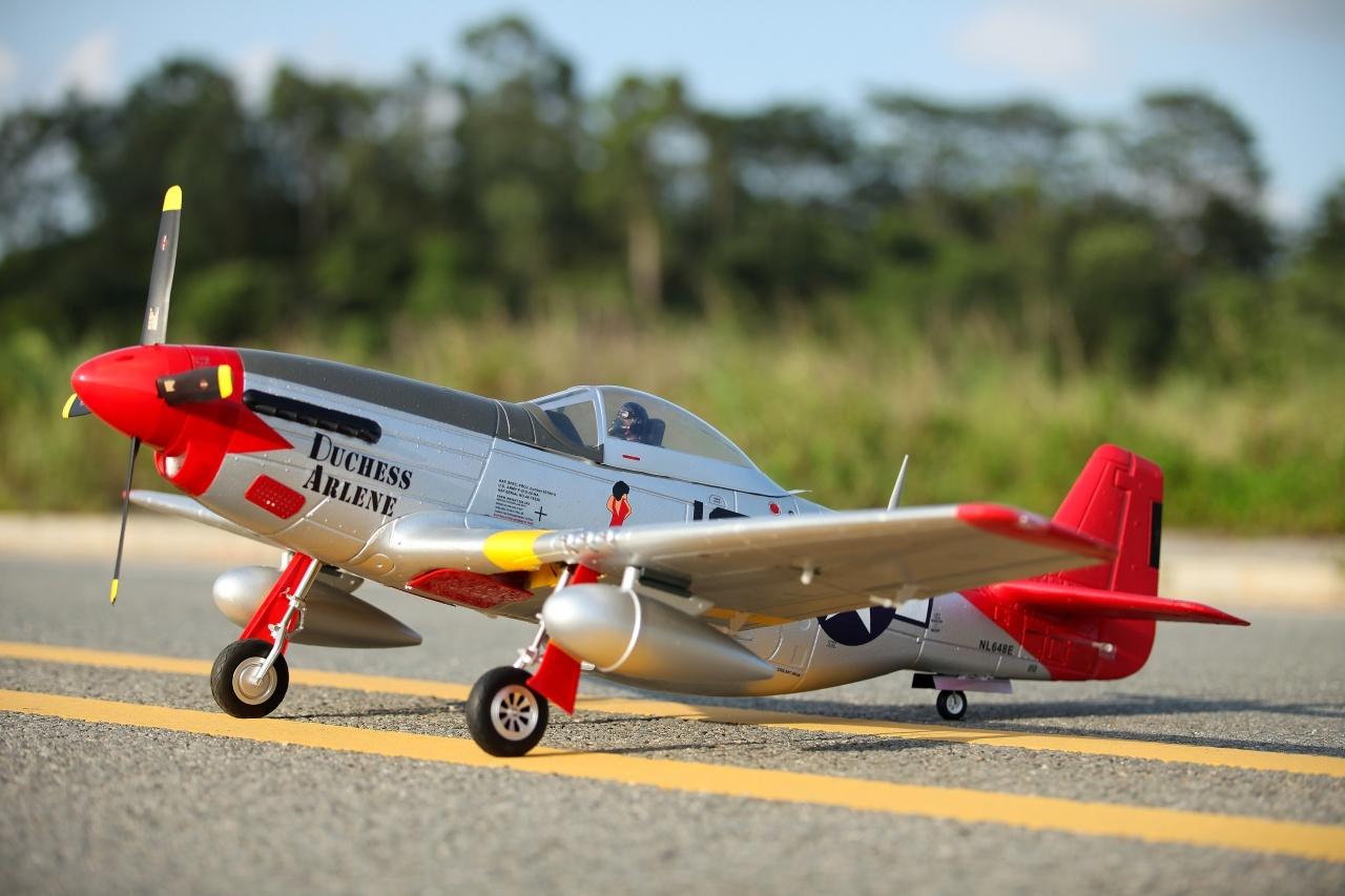 FMS P-51D Mustang V8 PNP - 145 cm - Combo incl. Reflex Gyro