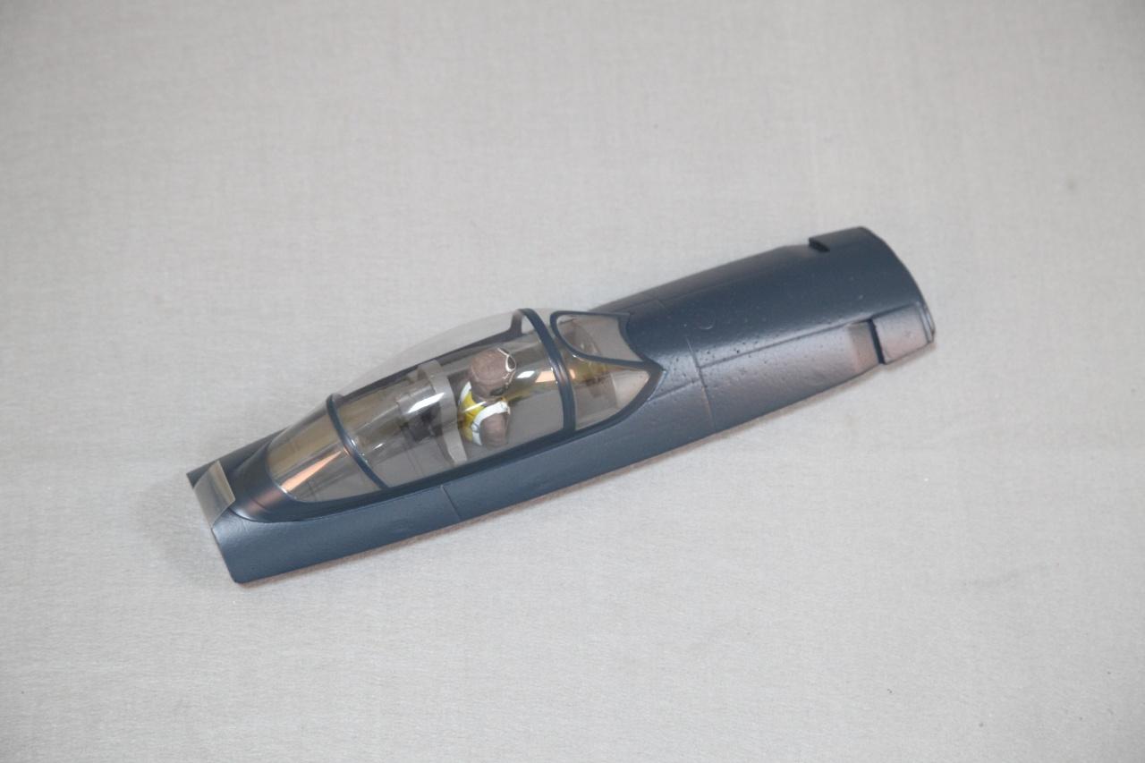 Arrows F8F  - Kabinenhaube